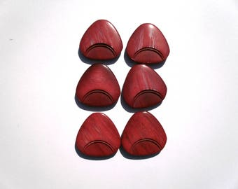 set of 6 pink and plum buttons 3 No. 11 cms