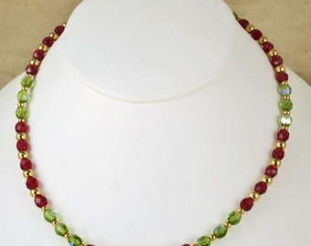 New Lower Price Handmade Christmas Red and Green Beaded Necklace