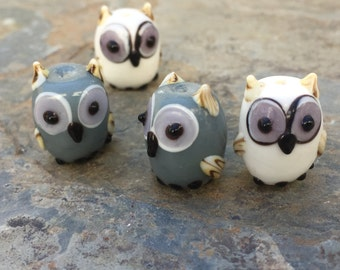Owl Beads, White and Grey Owl Beads, 16mm approx, 4 beads per package.