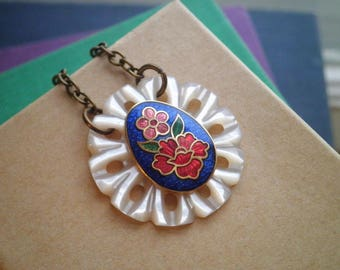 Bohemian Button Necklace - Retro Button Charm Necklace - Vintage Enamel Flowers Mother Of Pearl Floral Cloisonne Boho Jewelry Gift For Her