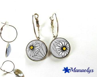 Hoop earrings silver white flowers, daisies 3192 glass cabochons