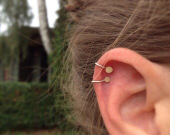 Gold minimalist ear cuff. 14k Hammered. Small or Large dot. No piercing.
