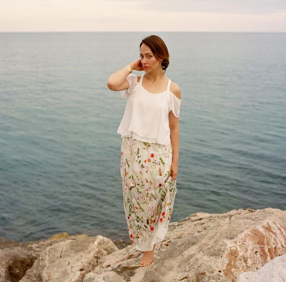 White linen woman summer top |Short sleeves giving off the shoulder | Rustic wedding. rustic bridal top. made in France. natural fabric