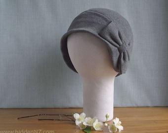 Chapeau cloche noir avec gros noeud - réalisé sur commande