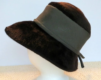 Vintage Oleg Cassini Brown Faux Beaver Fur Hat | 1960s Wide Brim Winter Hat | Brown Grosgrain Cloth Band | Small Knot in Back | Union Made