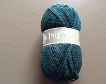 Pine Green color yarn