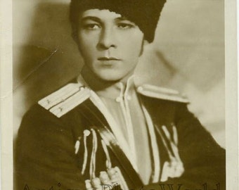 Rudolph Valentino as Hussar antique movie photo pc