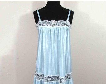 SALE 50% off - Vintage Petra nylon & lace nightgown  - night blue S-M