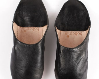 Women's Black Leather Slippers    Traditional Moroccan Basic Babouche    Hand Dyed With Natural Colour    Black