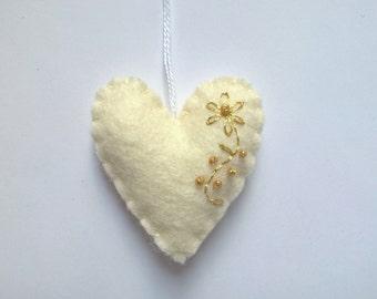 Heart ornament - felt ornaments - Valentine's day/Birthday/Christmas/Baby/Housewarming home decor