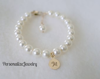 Child pearl bracelet, Initial gold charm, Swarovski pearls - choice of colors, Flower girl gift Junior bridesmaid gift, Attendee gift