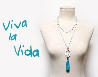 Frida Kahlo Long Beaded Necklace with Turquoise Crystals and Fresh Pearls, Tassel Necklace, Frida Portrait Cameo Pendant, Minimal Boho Style
