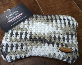 Pencil cases, a cosmetic pouch made of cotton or wool