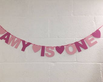 Peronalised 1st 2nd 3rd 4th 5th birthday banner custom made with name of choice. Shown in pink but message me if require other colours