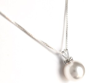 Classic pearl pendant necklace, wedding jewelry for brides, sterling silver bridal jewelry, bridal pendant, classic bride, gift for her