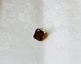 FREE WORLDWIDE SHIPPING - 1970s deco ring from a grandmother still rocks.