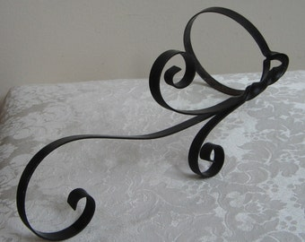 Vintage Black Metal Wall Pot Holder For Plants & Flowers With Swirly Scroll Work, Rustic Decor