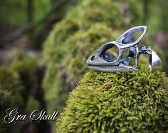 Small chameleon skull pendant