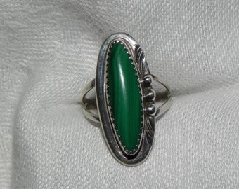 Vintage Ring MalachiteNative American Indian Sterling Silver  Size 8