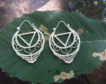 Ethnic silver bathroom earrings.
