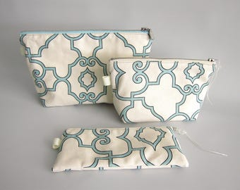Toiletry handbags, travel bags - Set of 3 - Turquoise and cream