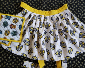 Hufflepuff Half-Apron with Potholders