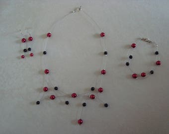 Red and black glass bead set