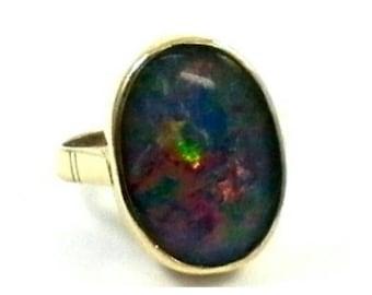Opal 9K Gold Ring, 1.8 cm Irredecent Australian Opal, Size 6, Weight 4.71 Grams, HANDMADE