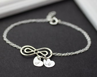 Personalized infinity Bracelet .Initials Silver Heart Double Infinity  Bracelet. love,Mom,Sister,Wife,Bridesmaid Gift