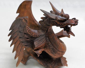 Dragon wood carving (drgwngfree)