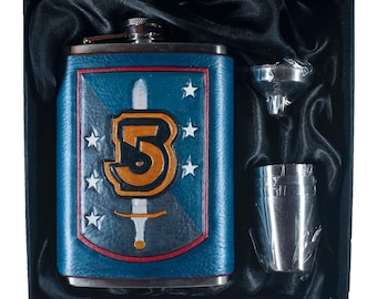 Babylon5 Shield Geek Flask Set