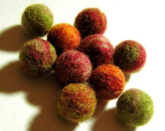 10 Wool Beads - Needle Felted Balls - Autumn Leaves Marbled Colors Mix - Fall Color Felt Bead Set - Red Orange Yellow Green Tan Round Beads