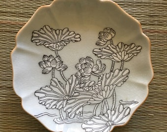 Hong Horizons hand painted floral decorative plate  light green