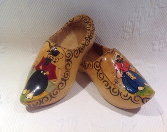 Wooden traditional - wall decor hand painted shoes / / made in Holland