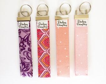 Pink & Purple Keychain wristlet. Key Fob Wristlet. Key Fob Holder. Fabric keychain. Fabric Keyfob Wristlet. Gift under 10. Key Holder