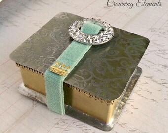 Pendulum Box - Lost in Camelot