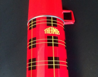 Antique picnic basket - Red plaid - ELIZABETH ARDEN - Vintage wicker Picnic THERMOS bonus set