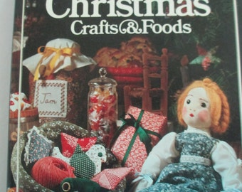 Diy Better Homes and Gardens Treasury Christmas Crafts and Food Hardbound Book 384 pages used good condition