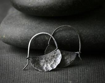 Oxidiert gehämmert Sterling Silber Blatt Ohrringe Creolen