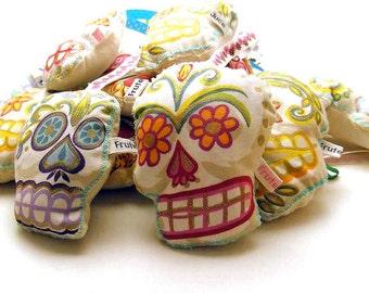 Lavender bag, sugar skull lavender sachet, aromatic drawer pomander, candy skull lavender sachet, sugar skull lavender bag, candy skull bag