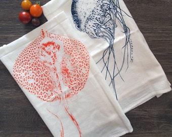 Towel Set of 2 - Jellyfish & Stingray - Multi-Purpose Flour Sack Bar Towels - Renewable Natural Cotton