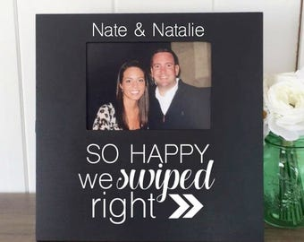 Tinder Girlfriend Boyfriend Gift, So Happy We Swiped Right, Tinder Anniversary Present, Online Dating Couple Gift, Tinder Picture Frame