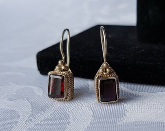 Vintage Garnet Sterling Silver Earrings, Garnet Earrings, Sterling Silver Garnet Earrings, Earrings