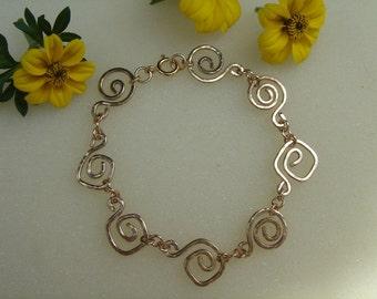 Elegant bracelet in gold 585 (14 K) with spirals!