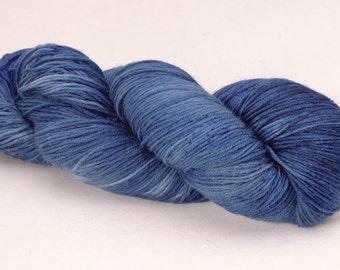 handdyed sockyarn superwash - wool/nylon mixture - fingering weight - colour s 170