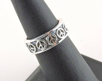 Size 6 Sterling Silver Peace Sign Band Ring (6.0 grams)