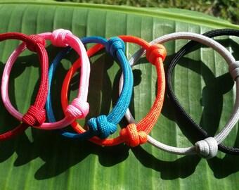 Paracord Friendship Bracelet, Friendship Bracelet, Paracord Minimalist Bracelet, Paracord Bracelet, Simple Paracord Bracelet, Knot Bracelet