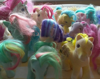 Whole lot of pretty ponies. Vintage