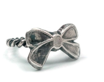 Bow Ring - Sterling Silver and Fine Silver size 7.5