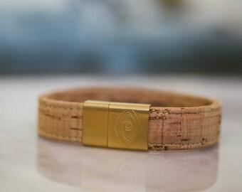 Cork Bracelet with Gold Magnetic Clasp / Vegan Bracelet / Bracelets / Gift for Him / Minimalist / Boho / Valentine's Day Gift / Zest it Up